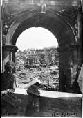 1900 04 12 Italie Rome  le forum à travers l'arc de Septime Sévère