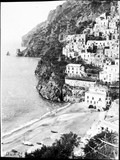 1900 04 23 Italie la cap d'Orsa et la côte à contre-jour