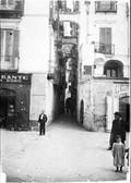1900 04 24 Italie Salerne rue à arcades
