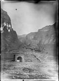 1898 Chine monument dans la montagne
