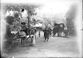 1898 07 28 Vietnam Saïgon au jardin de Saïgon Charette à bœuf et voiture Malabar