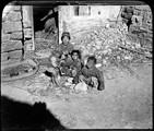 1898 11 Chine district de Si Tchoo  recherche maternelle de poux