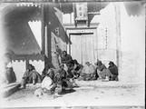 1899 01 Chine  Ts'Men, groupe de loqueteux