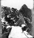 1899 01 Chine Ta Houa Chan, l'escalier sur l'arrète de granit