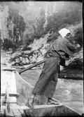 1899 06 Japon dans les rapides, la barre