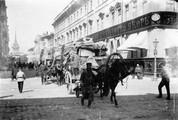 1897 07 31 Russie Saint-Pétersbour moujiks déménageant et flèche de l'amirauté