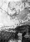 1897 08 23 Russie Source du Narzan chaud cascades et Tartares 2378 m