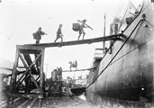 1898 07 26 Singapour chargement du charbon