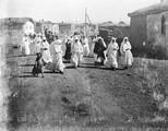 1897 10 06 Arménie femmes  Malakannes en costume de fête sur les bords du lac Goktcha